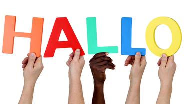 Multikulturell, People, Gruppe, Hände halten das Wort Hallo